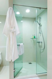 水门夜光酒店 - 曼谷 - 浴室