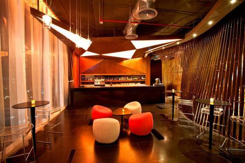 水门夜光酒店 - 曼谷 - 酒吧
