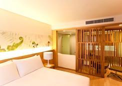 水门夜光酒店 - 曼谷 - 睡房