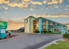 卡罗来纳海滨品质酒店 - 斩魔山 - 建筑