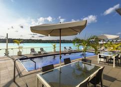尚蒂伊海湾酒店 - 维拉港 - 游泳池