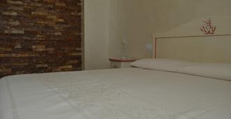 莫菲欧客房酒店 - 阿尔盖罗 - 睡房