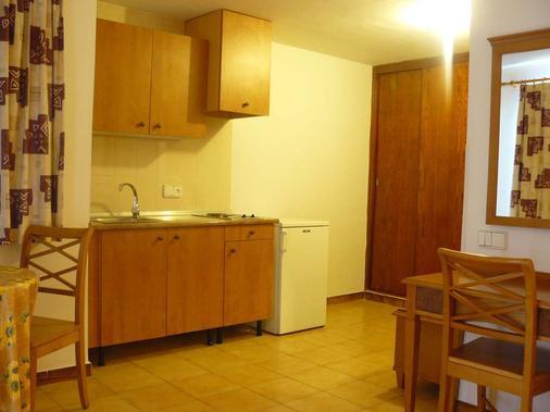 戈米拉公园公寓式酒店 - 马略卡岛帕尔马 - 厨房