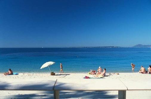 尼娜别墅酒店 - 安提伯 - 海滩