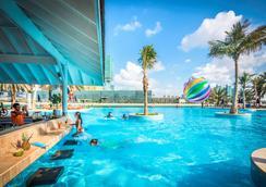 罗塔娜海滩酒店 - 阿布扎比 - 游泳池