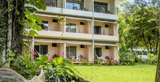 卡拉赫海滩酒店 - 曼努埃尔安东尼奥 - 建筑