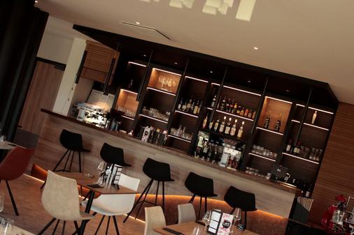 基里亚德查尔特酒店 - 沙特尔 - 酒吧