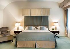 里雅斯特萨瓦尔星际酒店 - 的里雅斯特 - 睡房