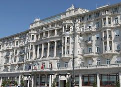 的里亚斯特萨沃亚宫精品酒店-星级酒店典藏 - 的里雅斯特 - 建筑