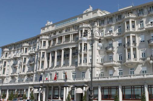 里雅斯特萨瓦尔星际酒店 - 的里雅斯特 - 建筑