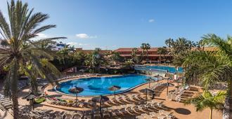 甘泉村酒店 - 科拉雷侯 - 游泳池