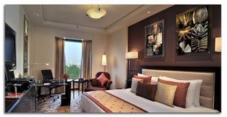 古尔冈柠檬树尊贵2号酒店 - 古尔冈 - 睡房