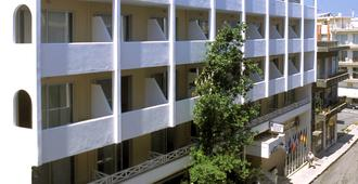 艾琪尔顿宫酒店 - 罗希姆诺 - 建筑