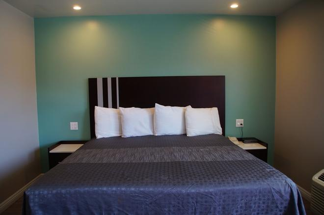 海滩旅馆汽车旅馆 - 长滩 - 睡房