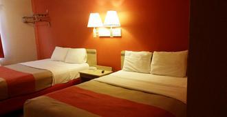 俄克拉荷马艾克 6 号汽车旅馆 - 埃尔克城 - 睡房