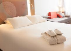 诺沃特梅兹中央酒店 - 梅斯 - 睡房