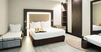 马德里中心诺富特酒店 - 马德里 - 睡房