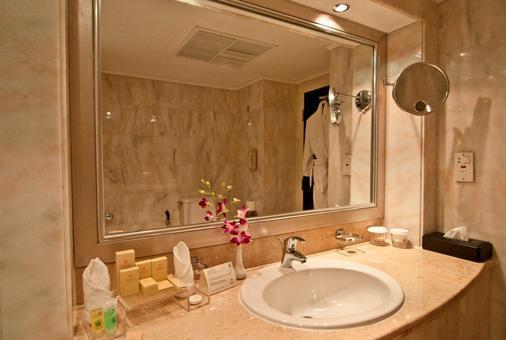 艾恩达纳特度假酒店 - 艾恩 - 浴室