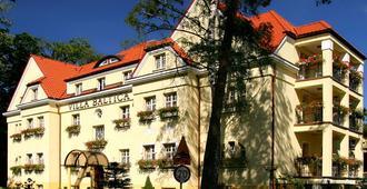 鲍尔蒂克别墅酒店 - 索波特 - 建筑