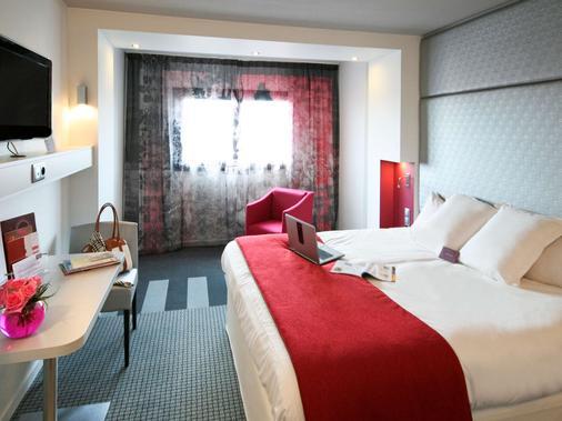 蒙马特尔圣心美居酒店 - 巴黎 - 睡房