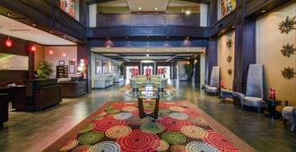 阿林顿东北部假日酒店 - 阿林顿 - 大厅