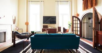 芝加哥写意酒店 - 芝加哥 - 客厅