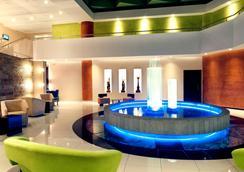 阿拉米达美居酒店 - 基多 - 大厅