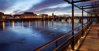 索米尔卢瓦尔河畔美居酒店 - 索米尔 - 户外景观