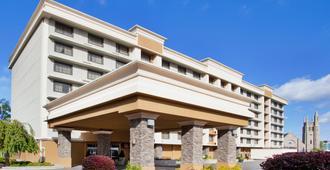 尼亚加拉瀑布风景区市中心假日酒店 - 尼亚加拉瀑布 - 建筑