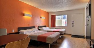 阿尔伯克基科斯路6号汽车旅馆 - 阿尔伯克基 - 睡房