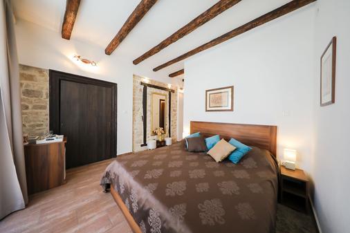 维塔利伯爵夫人豪华旅馆 - 扎达尔 - 睡房