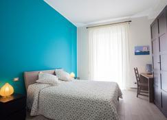 独一蓝光住宿加早餐酒店 - 特拉帕尼 - 睡房