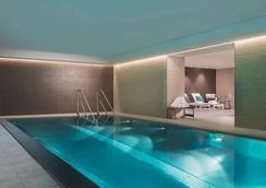 莱比锡阿迪娜公寓酒店 - 莱比锡 - 游泳池