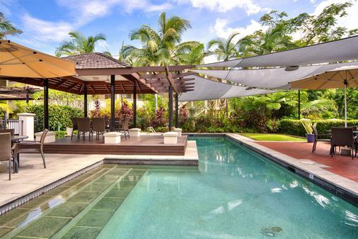 地中海道格拉斯港酒店 - 道格拉斯港 - 游泳池