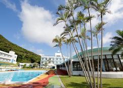 卡乐达酒店 - 龙乡町 - 游泳池