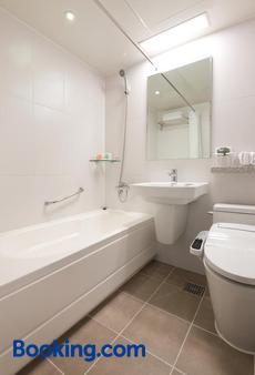 明洞地铁酒店 - 首尔 - 浴室