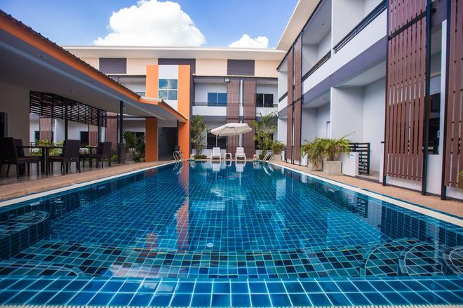 S.G.酒店 - 武里南 - 游泳池