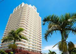 冲绳海滨巨塔酒店 - 北谷町 - 建筑
