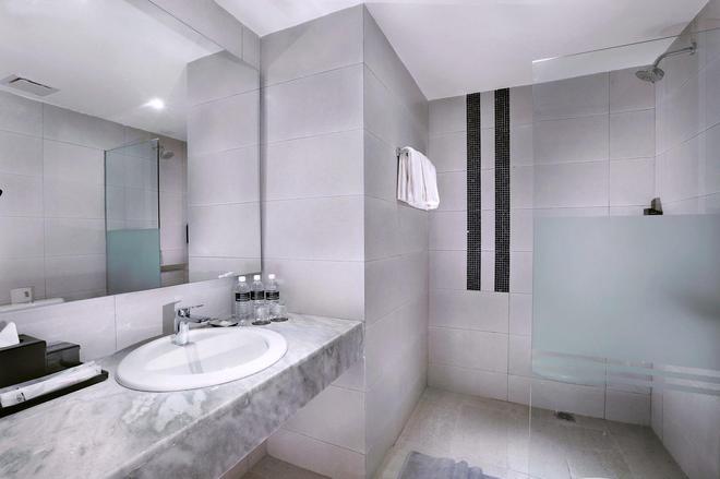 槟城尼奥普拉斯酒店 - 乔治敦 - 浴室