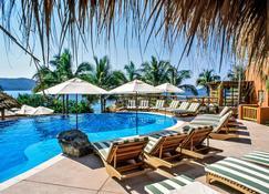 锡瓦塔塔内霍钻石度假村恩巴克度假酒店 - 锡瓦塔塔内霍 - 游泳池