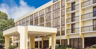 哥倫比亞東南傑克遜堡戴斯套房旅館 - 哥伦比亚 - 建筑