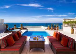 索菲特巴林匝拉塔拉萨海水疗酒店 - 麦纳麦 - 游泳池