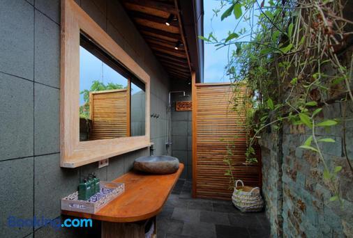 瑜伽寻找者巴厘岛度假村 - 乌鲁瓦图 - 浴室