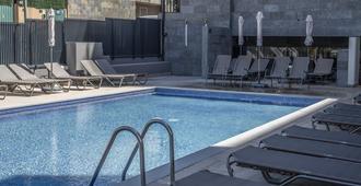罗萨玛尔埃斯布劳酒店 - S 仅供成人入住 - 罗列特海岸 - 游泳池