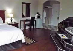 夏洛特敦加拿大最佳价值套房酒店 - 夏洛特顿 - 睡房