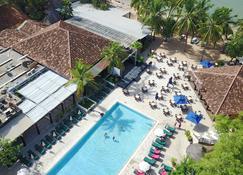 萨莱酒店及费劳斯酒店俱乐部 - Mbour - 游泳池