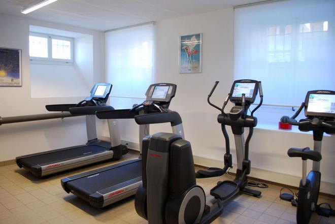英格兰旅馆和公寓 - 洛桑 - 健身房