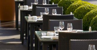 英格兰旅馆和公寓 - 洛桑 - 餐馆
