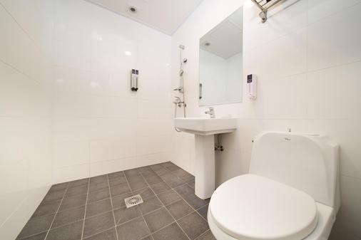 情侣度假村酒店 - 济州 - 浴室