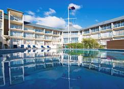 皮克顿游艇俱乐部酒店 - 皮克顿 - 游泳池